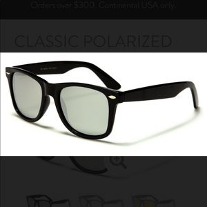 Women's Retro Style Mirrored Sunglasses with pouch